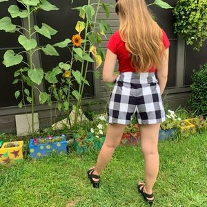 Checkered high waisted shorts